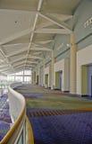 Dentro de centro de convención foto de archivo libre de regalías