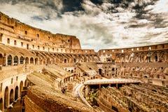 Dentro de Colosseum en Roma Foto de archivo libre de regalías