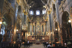 Dentro de iglesia de la jesuita en Lvov Foto de archivo