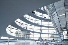 Dentro de la bóveda de Reichstag foto de archivo