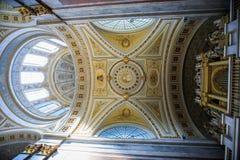Dentro de la basílica de St Adalbert en Esztergom Fotografía de archivo libre de regalías