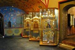 Dentro de la catedral de la albahaca del santo Foto de archivo