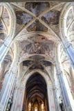 Dentro de la catedral latina en Lviv fotos de archivo