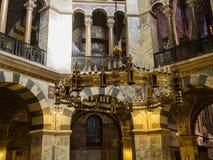 Dentro de la catedral medieval de Aquisgrán Imagenes de archivo