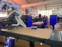 Dentro de la exposición de las impresoras y de los materiales de la impresión - Hanoi, Vietnam 21 de marzo de 2018 foto de archivo
