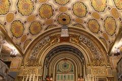 Dentro de la gran sinagoga en Bucarest, Rumania Imágenes de archivo libres de regalías