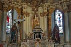 Dentro de la iglesia de Sumuleu Imagenes de archivo