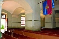 Dentro de la iglesia fortificada medieval en Cristian, Transilvania Fotos de archivo