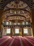 Dentro de la mezquita imagenes de archivo