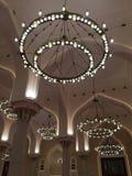 Dentro de la mezquita magnífica Fotos de archivo libres de regalías