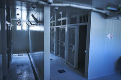 Dentro de las celdas de prisión en una prisión estatal Fotos de archivo libres de regalías