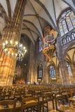 Dentro de Norte Dame de Strasbourg imagem de stock