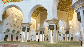 Dentro de Sheikh Zayed Mosque, Abu Dhabi, United Arab Emirates Fotos de archivo libres de regalías