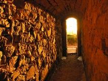Dentro de um túnel a imagens de stock royalty free