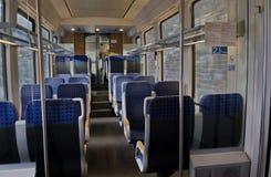 Dentro de um transporte do passageiro do trem do século passado, Koprivshtitsa foto de stock royalty free