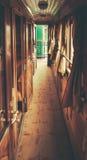 Dentro de um trem velho Foto de Stock
