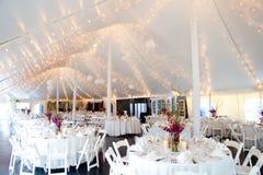 dentro de uma barraca do casamento Imagens de Stock Royalty Free