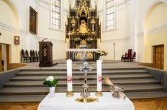 Dentro de uma igreja Fotografia de Stock Royalty Free