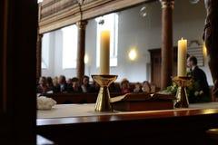 Dentro de uma igreja imagens de stock royalty free