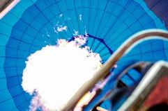 Dentro de un globo del aire caliente Imagen de archivo libre de regalías