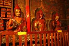 Dentro de un monasterio tibetano foto de archivo