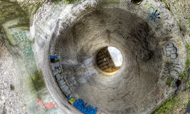 Dentro de un silo de cemento Imagenes de archivo