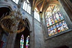 Dentro de una catedral famosa en Viena fotografía de archivo