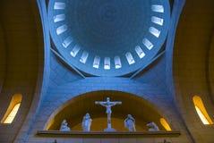 Dentro de una iglesia de madre Fotos de archivo
