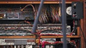 Dentro de vista del amplificador viejo almacen de metraje de vídeo