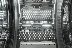Dentro de vista de una lavadora de carga superior imagen de archivo libre de regalías