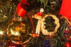 Dentro del árbol de navidad foto de archivo libre de regalías
