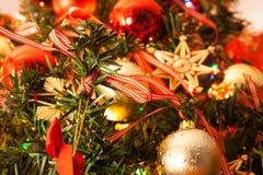 Dentro del árbol de navidad fotografía de archivo libre de regalías