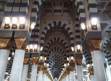 Dentro del al-Nabawi de Masjid foto de archivo libre de regalías