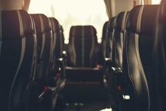 Dentro del autobús turístico en efecto del dof imagen de archivo