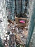 Dentro del centro comercial del lugar de Langham, Mong Kok, Hong Kong fotografía de archivo