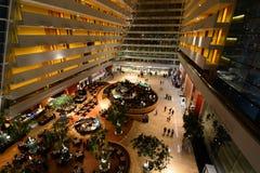 Dentro del centro turístico de Marina Bay Sands Singapur imagen de archivo libre de regalías