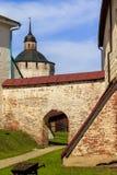 Dentro del claustro del monasterio Fotos de archivo libres de regalías