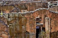 Dentro del Colosseum de Roma imágenes de archivo libres de regalías