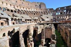 Dentro del Colosseum de Roma foto de archivo