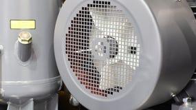 dentro del compresor de aire industrial imagenes de archivo
