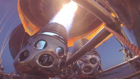 Dentro del globo del aire caliente almacen de metraje de vídeo