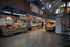 Dentro del mercado central de Riga, Letonia fotografía de archivo libre de regalías