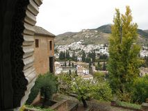 Dentro del palacio de Alhambra imagenes de archivo