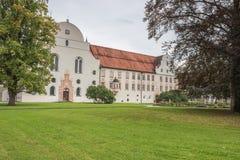 Dentro del patio de la abadía de Benediktbeuern Imagen de archivo libre de regalías