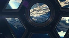 Dentro del spaceshuttle que viaja hacia la nave espacial grande almacen de metraje de vídeo