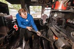 Dentro del taxi de una locomotora de vapor clásica Imágenes de archivo libres de regalías