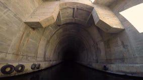 Dentro del tunnel militare archivi video