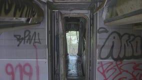 Dentro dell'aereo abbandonato archivi video