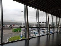 Dentro dell'aeroporto di Shiphol fotografie stock libere da diritti