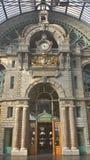 Dentro della centrale Trainstation di Anversa Fotografia Stock